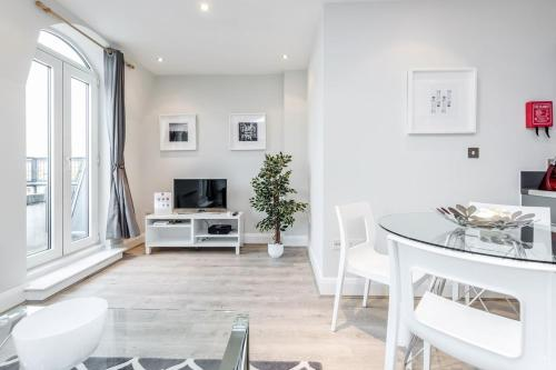 Roomspace Serviced Apartments -Thames Edge