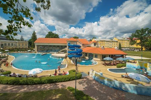A view of the pool at Imperial Spa & Kurhotel or nearby