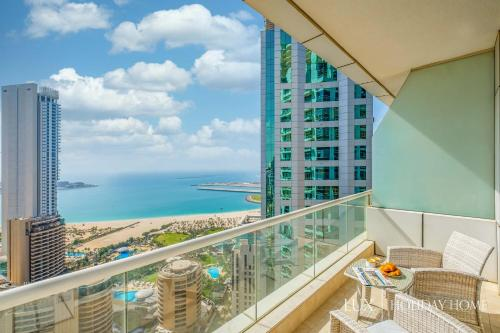 A balcony or terrace at LUX - The Dubai Marina Sea View Suite