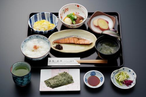 Breakfast options available to guests at Ryokan Asakusa Shigetsu