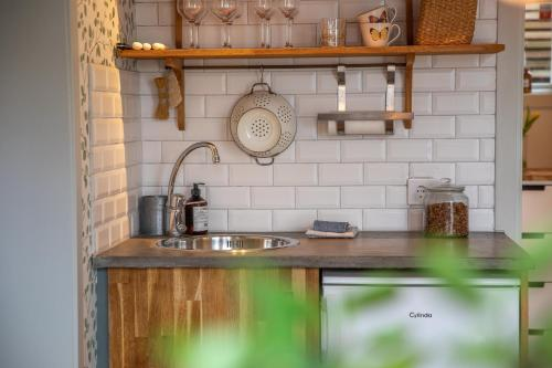 A kitchen or kitchenette at Vaxholms Bed & Breakfast