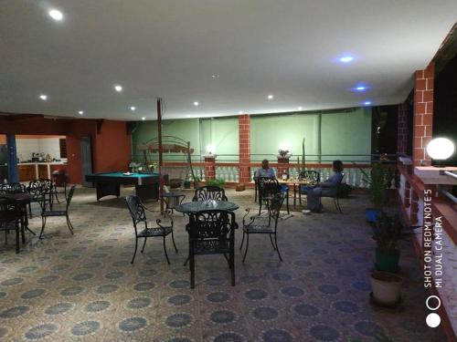 A restaurant or other place to eat at Hotel Golden House