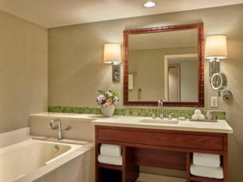 A bathroom at Loews Coronado Bay Resort