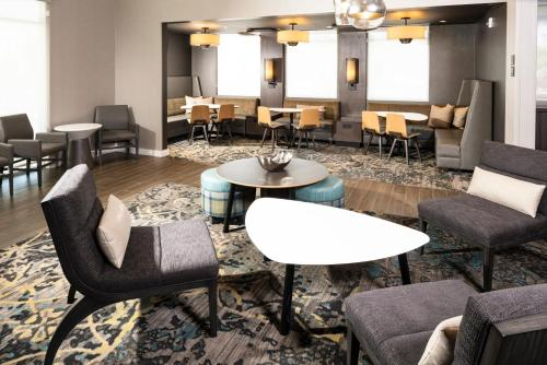 The lounge or bar area at Residence Inn Las Vegas South/Henderson