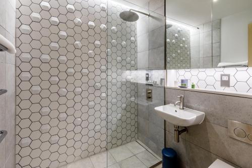 A bathroom at Feldon Valley