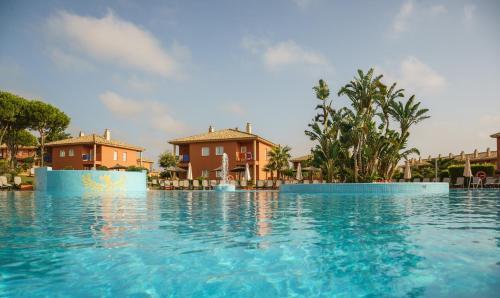 The swimming pool at or near Ilunion Sancti Petri