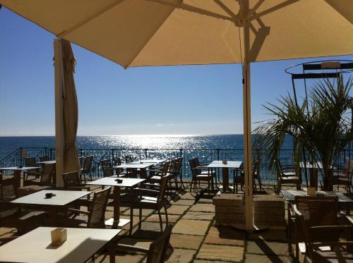 Ресторан / где поесть в Villa Eva Beach