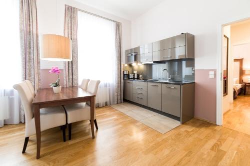 Küche/Küchenzeile in der Unterkunft Aparthotel Am Schloss