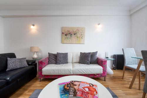 Apartment 225 - Nell Gwynn House, Chelsea