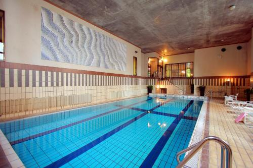 The swimming pool at or close to Senjukaku