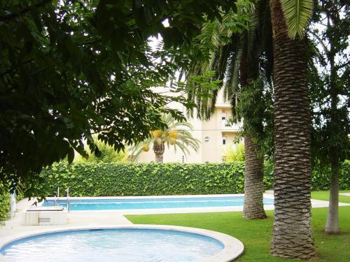The swimming pool at or close to Apartamentos Sunway San Jorge
