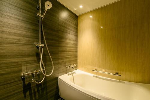 A bathroom at Kanazawa Tokyu Hotel