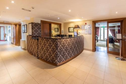 The lobby or reception area at The Kings Head Country Hotel