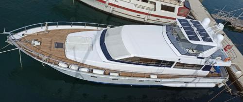 A bird's-eye view of Riti Yacht