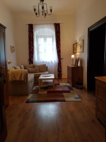 Ein Sitzbereich in der Unterkunft Gombás Kúria Mansion Boutique B&B