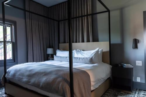 A bed or beds in a room at Lora