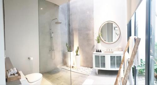 A bathroom at Casamaya Villa