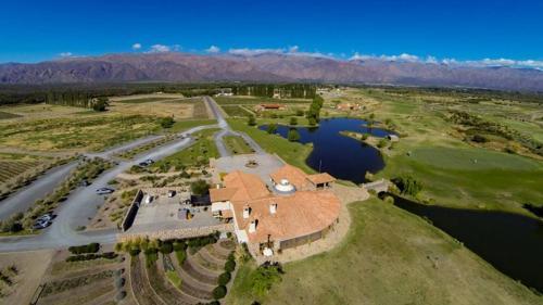 A bird's-eye view of Casa Mistol by Cafayate Holiday