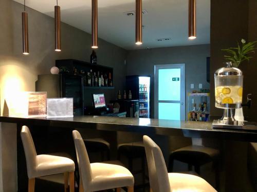 The lounge or bar area at Flat pensado para sua tranquilidade e alegria