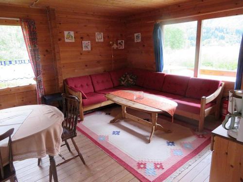 Ein Sitzbereich in der Unterkunft Kalvatn Turistsenter