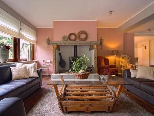 Ein Sitzbereich in der Unterkunft Luxurious Villa In Schutzbach with Jacuzzi