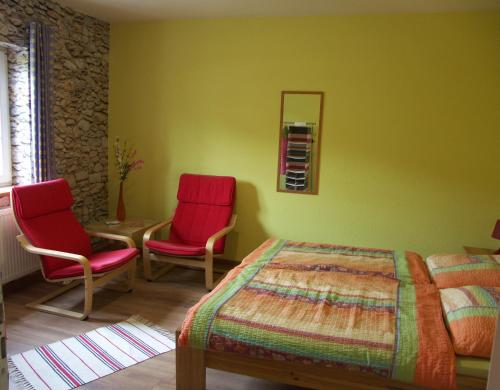 A bed or beds in a room at Bed And Breakfast Isidorus