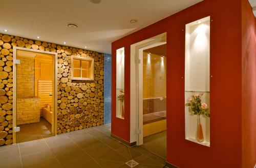 A bathroom at Reindl's Partenkirchener Hof