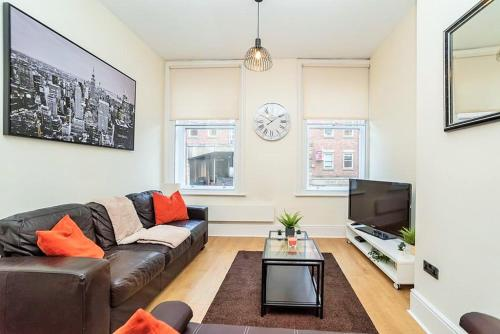 PERFECT CENTRAL LOCATION NEWCASTLE SERVICED APARTMENT CLOSE To THEATRES & RESTAURANTs