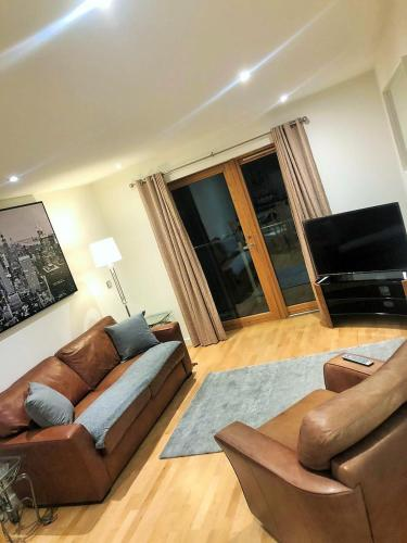 QUAYSIDE, Newcastle SERVICED APARTMENT, GREAT ACCESS TO THE CITY & NIGHTLIFE