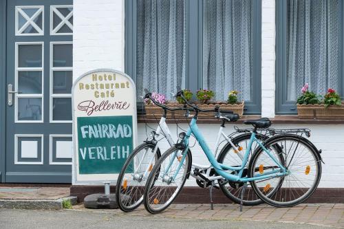 Radfahren an der Unterkunft Hotel Bellevue oder in der Nähe