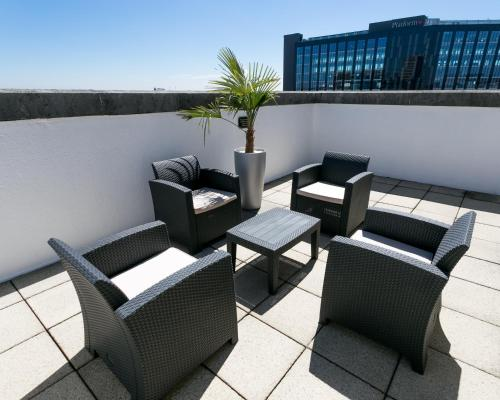 A balcony or terrace at The Queens - QHotels