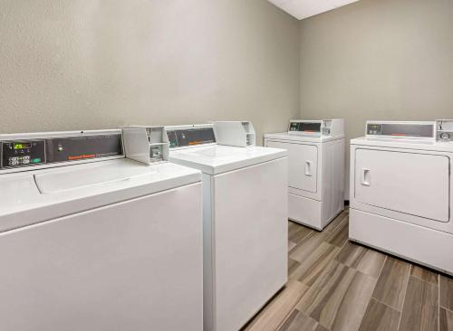 A kitchen or kitchenette at La Quinta by Wyndham Tacoma - Seattle