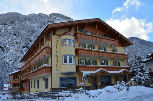 Hotel Ladina durante l'inverno