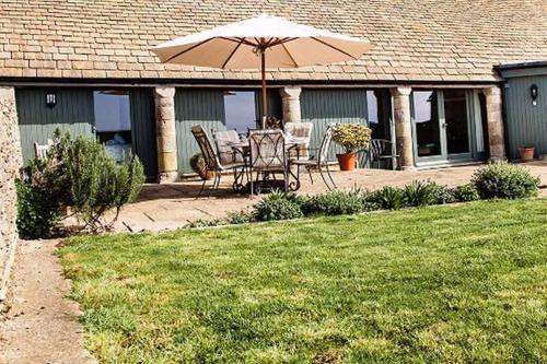 Clover Barn - Luxury Cotswold Home - Sleeps 6 - Dog Friendly
