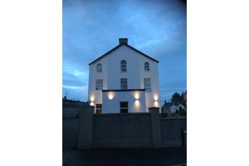 OYO The Linen House