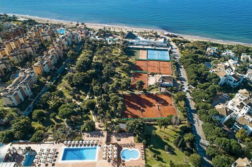 Ett flygfoto av Don Carlos Resort & Spa