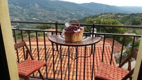 A balcony or terrace at La Lancha