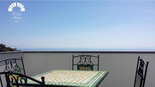 A balcony or terrace at Al Poggio Antico