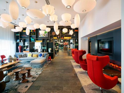 The lounge or bar area at citizenM Paris Gare de Lyon