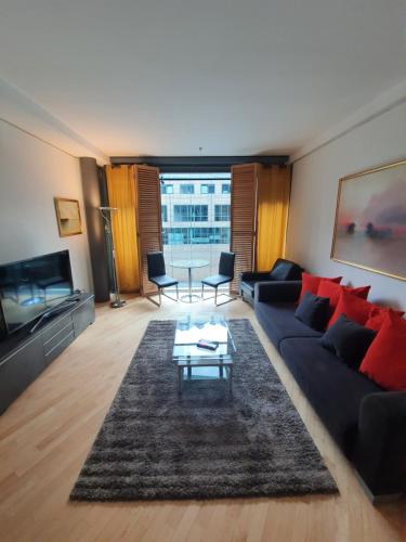 A seating area at Apartment am Potsdamer plaz