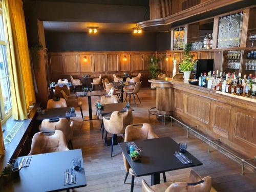Een restaurant of ander eetgelegenheid bij Hotel Maurice