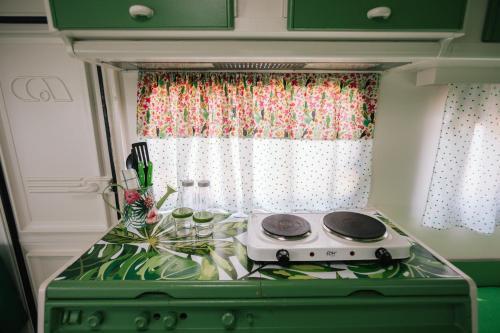 Een keuken of kitchenette bij Camping Miramar