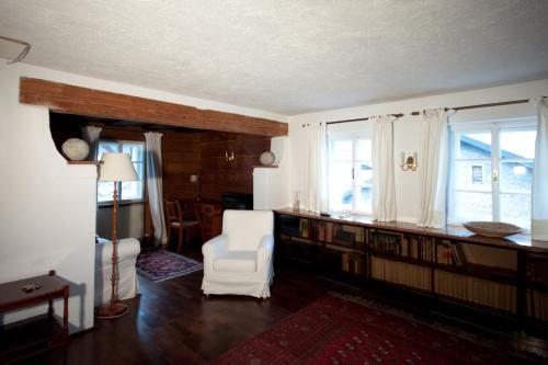 Ein Sitzbereich in der Unterkunft Kapuzinerberg Apartments
