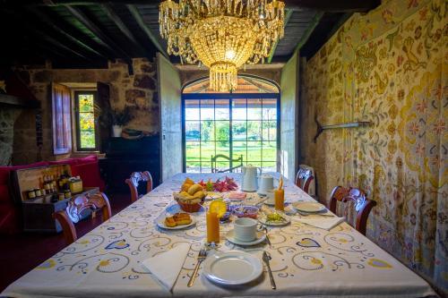 Um restaurante ou outro lugar para comer em Quinta da Alma Cheia