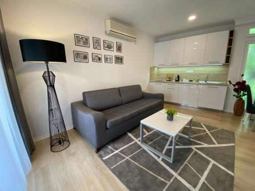 A seating area at Apartments & Rooms Mostar Story