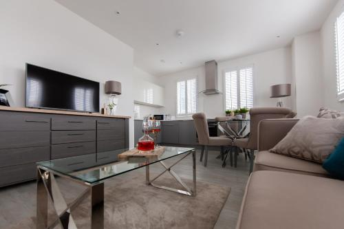 Stunning Bedford Show Home Apartment by Comfy Workers
