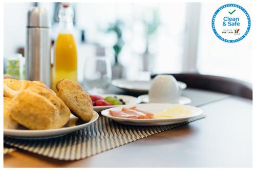 Breakfast options available to guests at Myo Design House
