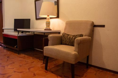 A seating area at Hotel Embajadoras