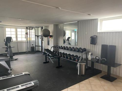 The fitness center and/or fitness facilities at Mjölby Stadshotell