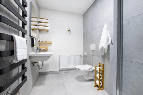 A bathroom at KEILBERG RESORT